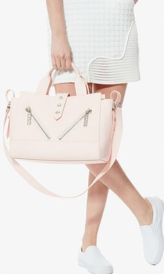 Pink bag inspired by California woith Parisian detailing