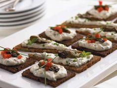 Clover Leaf's Oyster Canapés with Horseradish Sour Cream