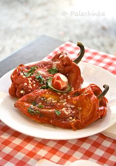 In Bogutovac village, in central Serbia, on Kraljevo-Raška highway there is restaurant Kod Mira, one of the oldest restaurants in this part of Serbia. Rice Recipes, Pork Recipes, New Recipes, Serbia Recipe, Roasted Red Peppers, Wrap Sandwiches, Tandoori Chicken, Soups And Stews, Food And Drink