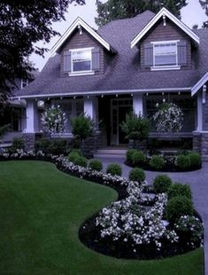 27 Simple And Small Front Yard Landscaping Ideas For Low Maintenance – Modern – Front Yard İdeas Sidewalk Landscaping, Small Front Yard Landscaping, Farmhouse Landscaping, Modern Landscaping, Backyard Landscaping, Landscaping Ideas, Backyard Ideas, Patio Ideas, Small Patio