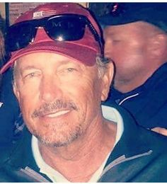 He looks good in a ball cap, too! George Strait Pure Country, George Strait Family, Joyce Taylor, Doug Baldwin, Country Music Singers, Country Artists, Jake Owen, Garth Brooks, Florida Georgia Line
