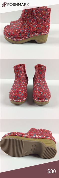 Oshkosh Toddler Girl Penina Floral Wooden Clogs New without the original box or tags. toddler girl ankle bootie wooden boot clogs. Size 7. Zipper closure.  Please see pictures for exact details. Osh Kosh Shoes Boots