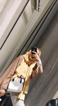 Hijabi Girl, Girl Hijab, Stylish Girls Photos, Girl Photos, Hijab Fashion, Girl Fashion, Girls Without, Muslim Hijab, Ootd Hijab