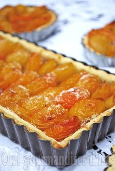 Les gourmandises d'Isa: TARTE AUX PRUNES ET SPÉCULOOS #recette #familiale Crumble Speculoos, French Pastries, Summer Recipes, Baked Goods, Deserts, Dessert Recipes, Pie, Sweets, Baking