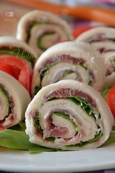 icu ~ girelle salate di pancarrè in 2019 Finger Food Appetizers, Finger Foods, Appetizer Recipes, Cooking Recipes, Healthy Recipes, Antipasto, Food Design, Food Inspiration, Italian Recipes