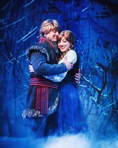 Kristoff and Anna Cute Princess, Princess Anne, Disney Live, Disney Art, Queen Elsa, Frozen Queen, Disney Face Characters, Disney Couples, Birthday Fun