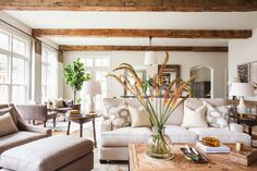 Midcentury Colonial Home-Marie Flanigan Interiors-01-1 Kindesign