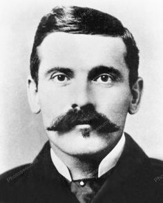 "John Henry ""Doc"" Holliday (August 1851 – November was an American gambler, gunfighter and dentist of the American Old West, who is usually remembered for his friendship with Wyatt Earp and his involvement in the Gunfight at the O. Doc Holliday, Gangsters, Us History, American History, History Pics, Benecio Del Toro, Old West Outlaws, Tombstone Arizona, Wyatt Earp Tombstone"