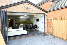 Single Storey Extension, Roxborough Rd II: modern Houses by London Building Renovation House Design, Bungalow Extensions, House, Modern House, Home Design Software, Single Storey Extension, Storey Homes, Roof Extension, Small Bungalow