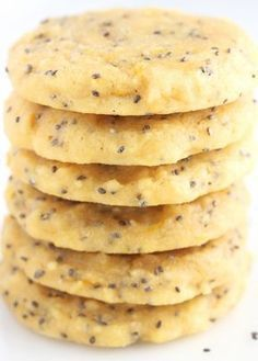 Healthy Food Lemon Chia Seed Protein Cookies -- these skinny, protein-packed cookies don't taste healthy at all! Even better, they're low carb Healthy Sweets, Healthy Baking, Healthy Snacks, Healthy Recipes, Healthy Lemon Desserts, Keto Chia Seed Recipes, Recipes With Chia Seeds, Chia Seed Recipes For Weight Loss, Healthy Deserts