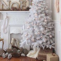 Shabby Chic Christmas Decor & A White Christmas Tree White Christmas Trees, Noel Christmas, Beautiful Christmas, White Trees, Natural Christmas, Christmas 2017, Xmas, French Country Christmas, Shabby Chic Christmas