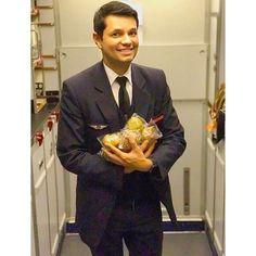 From @flying.igor Who loves muffins?  Boeing 777-200 somewhere over Europe. April 2. #aviation #jaimemavie #amoaminhavida #maviedestew #cabincrew #cabincrewlife #flightattendant #tripulante #comissariodebordo #equipagedecabine #angelsairways #crewme #muffin #galleylife #aviacao #service #lovemylife #crewiser #crewlife #crewiser #airplane #pilot #aircrew #avgeek #travel #crewfie #plane #flightattendants #airline #airlinescrew
