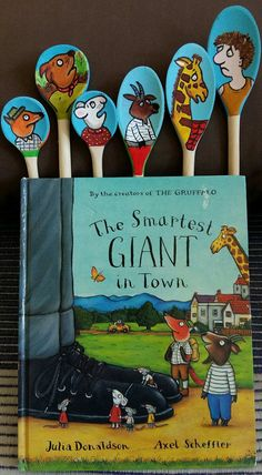 Two-sided spoon puppets are great for story telling in Pre-K. I used IKEA Mala paint and permanent markers. Library Activities, Kindergarten Activities, Craft Activities, Toddler Activities, College Activities, Kids Story Books, Stories For Kids, Story Sack, Book Baskets