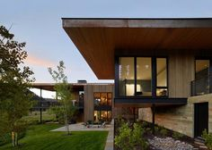 exterior materials - but different colors   contemporary-mountain-residence-carney-logan-burke-architects-07-1-kindesign