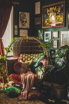 Bohemian Jungle Office Inspiration | vaughan-house.com Hippy Room, Boho Room, Boho Living Room, Dark Living Rooms, Zen Room, Small Living, Room Ideas Bedroom, Diy Bedroom Decor, Home Decor