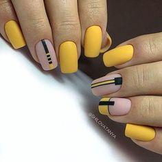 Trendy Nails, Cute Nails, My Nails, Short Square Nails, Square Nail Designs, Lines On Nails, Minimalist Nails, Yellow Nails, Artificial Nails
