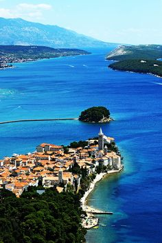 The island with the most sandy beaches on the Adriatic! #TotalCroatia