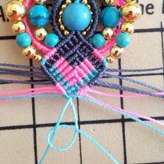Bohemian earrings macramé Pompons and beads Micro Macramé, Bleu Turquoise, Earring Tutorial, Macrame Jewelry, Round Beads, Gemstone Beads, Elsa, Jewelery, Crochet Necklace