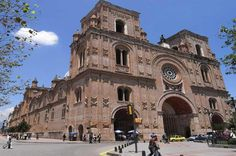 3-Day Tour of Cuenca Including Calderon Park, Flower Market and Modern Arts Museum Cuenca and its environs; the Calderon Park, the New and the Old Cathedral, the Flower Market and the Modern Arts Museum.Day 1: Transfer Airport / Hotel Day 2: City Tour of
