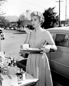 Janet Leigh behind the scenes of Psycho (1960)