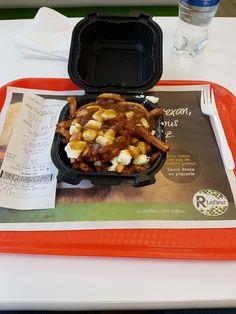 Poutine Restaurant Lafleur Sainte-julie (Québec) Poutine Restaurant, Julie, Griddle Pan, Waffles, Breakfast, Food, Morning Coffee, Eten, Waffle
