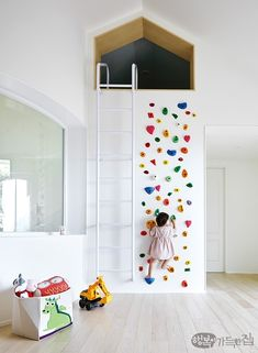 Top of stairs into mezzanine Girls Bedroom Furniture, Kids Furniture, Kids Bedroom, Furniture Design, Plywood Furniture, Teen Bedroom Designs, Living Room Designs, Reading Nook Closet, Home Climbing Wall