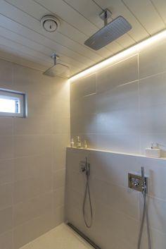 Villa Kuusikko's led strip is a perfect lighting solution for bathroom! Villa Kuusikon valonauha sopii kylpyhuoneisiin.