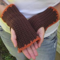 Crochet Stylish Fingerless Gloves and Wrist Warmers with These Free Patterns: Easy Two-Tone Fingerless Mitts