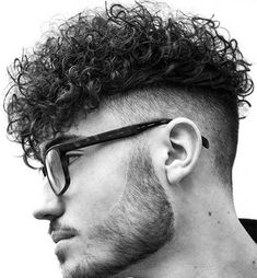 Curly Undercut: 30 Modern Curly Haircuts for Men - Men's Hairstyle Tips Haircuts For Curly Hair, Curly Hair Cuts, Long Curly Hair, Haircuts For Men, Wavy Hair, Curly Hair Styles, Modern Haircuts, Thick Hair, Short Haircuts