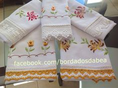 Panos de prato com bordado em ponto cheio Pinterest Crafts, Embroidered Pillowcases, Tea Towels, Pillow Cases, Napkins, Cross Stitch, Embroidery, Tableware, Cook