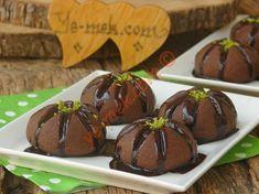 Çikolata sevenler için özellikle çay saatlerine yakışacak, görünümü ve lezzeti ile güzel bir kurabiye tarifi...