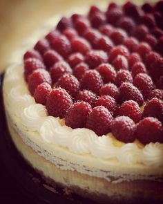 Costco Cheesecake + Pioneer Woman Lemon Curd + Fresh Raspberries + @melaniejoyjohnson Doing All The Work = Deliciousness #beautifulanddelicious #dessert #yummy #cheesecake #costco #pioneerwomanrecipe #lemoncurd #raspberries