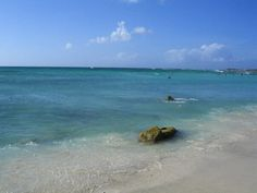 Aruba and the pretty water