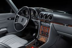 A beautiful Mercedes-benz SL R107!