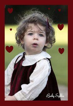 love love love <3 <3 <3 baby sybbie Downton Abbey Season 4
