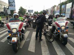 Video Aksi Pria Bersepeda Hadang Konvoi Harley Davidson di Jogja