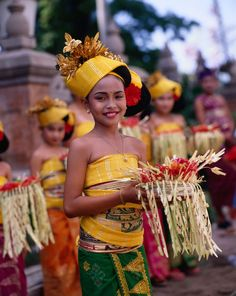 """Young girls form the Bali Aga Village of Tenganan in traditional dress. Beautiful Children, Beautiful People, Bali Shopping, Rare Clothing, Native American Wisdom, Bali Fashion, Cultural, People Of The World, Traditional Dresses"