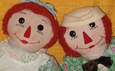 A Fun Pair! Vintage 1940s FOLK ART Raggedy Ann & Andy Dolls
