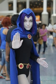 Raven Cosplay (Teen Titans)