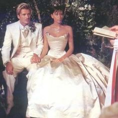 David and Victoria Beckham Share Throwback Wedding Photos to Celebrate 17th Anniversary http://stylenews.people.com/style/2016/07/04/david-victoria-beckham-wedding-photos-throwback-anniversary/