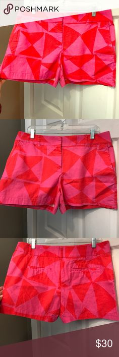 "Ann Taylor LOFT Pink Geometric Linen Shorts (10) LOFT Pink/Spicy Tomato Linen geometric print shorts with 4"" inseam. Size 10. Super cute color combination and print! Front slant pockets and coin pocket. Back welt pockets. Linen/Cotton. Excellent, like new condition--only worn once. LOFT Shorts"