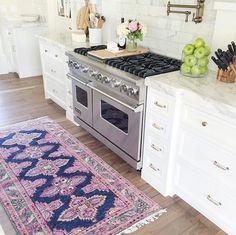 Viking range, stove oven, home design, luxury interior design, kitchen runn Kitchen Rug, New Kitchen, Kitchen Decor, Kitchen Design, Kitchen Runner, Kitchen Backplash, Green Kitchen, Kitchen Styling, Kitchen Interior