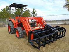 Mini Series sub compact Tractor Grapple root rake,stacking rake attachment John Deere Backhoe, Compact Tractor Attachments, Sub Compact Tractors, Tractor Accessories, Kubota Tractors, Tractor Implements, New Holland, Atv, Agriculture