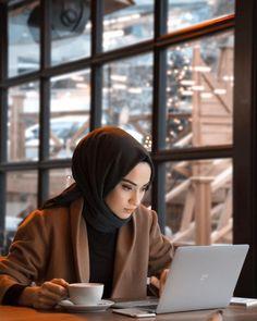 Likes, 415 Comments - Rabia Sena Sever (sena. Stylish Hijab, Casual Hijab Outfit, Hijab Chic, Hijab Niqab, Modern Hijab Fashion, Hijab Fashion Inspiration, Muslim Fashion, Mode Inspiration, Modesty Fashion