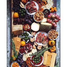 show antipasto platter - Yahoo Image Search Results Cheese Platters, Food Platters, Charcuterie And Cheese Board, Cheese Boards, Antipasto Platter, Meat Platter, Cheese Party, Meat And Cheese, Cheese Types