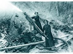 Women working in the China Clay pits during World War I while the men were away fighting. History Articles, China Clay, Year 7, Cornwall England, Iron Age, Medieval Castle, Forts, World War I, Abandoned Places