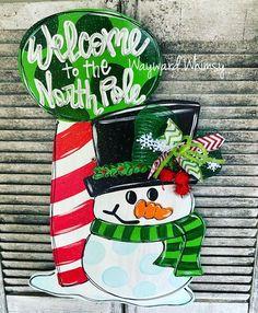 Christmas Door, Christmas Crafts, Christmas Ornaments, Christmas Ideas, Snowman Door, Door Hanger Template, Burlap Door Hangers, North Pole, Snowman Crafts