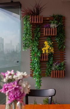 Vertical Garden Design on Balcony Wall - Unique Balcony & Garden Decoration and Easy DIY Ideas Large Backyard Landscaping, Backyard Garden Design, Terrace Garden, Indoor Garden, Balcony Gardening, Big Garden, Family Garden, Garden Path, Easy Garden