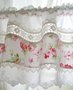 6 Fun Tips AND Tricks: Yellow Curtains Aesthetic curtains ideas shabby chic.Too Long Curtains curtains ideas shabby chic.Curtains Behind Bed Dorm. Cottage Shabby Chic, Shabby Chic Kitchen, Rose Cottage, Shabby Chic Style, Shabby Chic Decor, Country Kitchen, Vintage Kitchen Curtains, Kitchen Buffet, Kitchen Cabinets