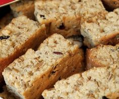 These Rusks are the BOMB! A great little snack with a good cup of coffee on a Sunday morning. 2 Cups Sugar 4 cups white flour 1 tsp salt 2 eggs 1 Cup Rasins (you can leave them out if … Kos, Buttermilk Rusks, Baking Recipes, Cake Recipes, Bread Recipes, Baking Ideas, Rusk Recipe, Recipe Box, Hard Bread